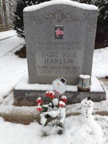 sadies grave snowman